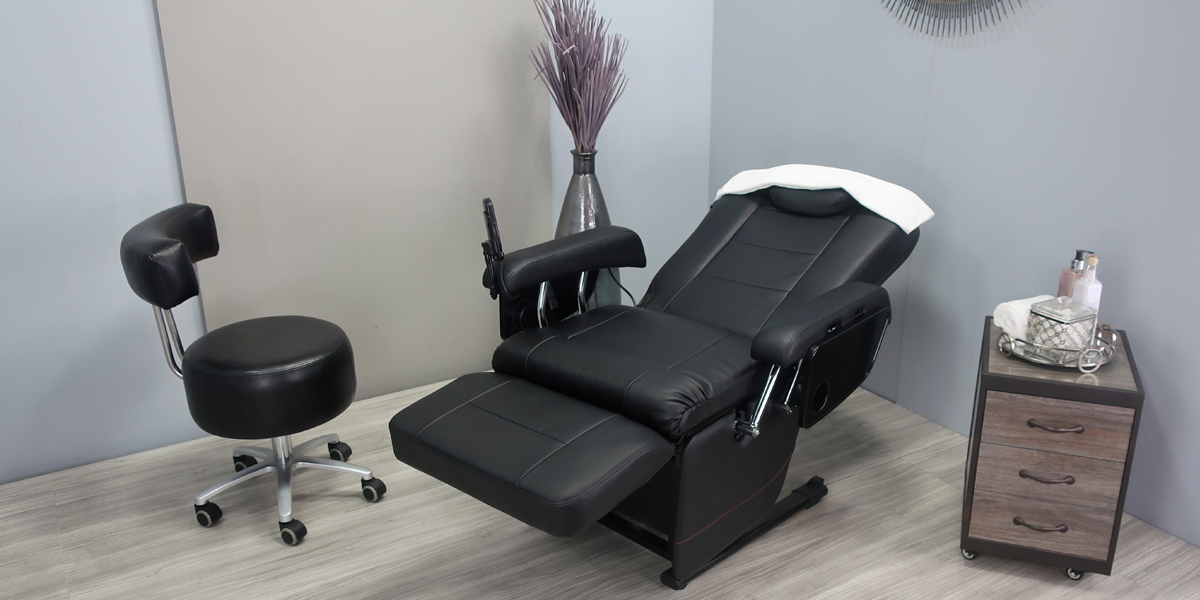Eyelash Chair fully reclined by Belava
