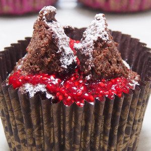 Flourless Chocolate Quinoa Cupcakes
