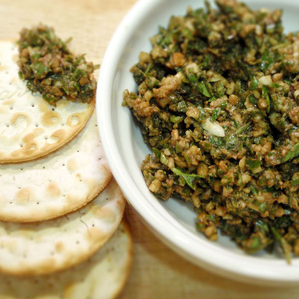 Chunky Basil and Cashew Pesto with Coconut Oil
