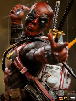 Iron Studios Deadpool Deluxe BDS Art Scale 1/10 - Marvel Comics (in stock)