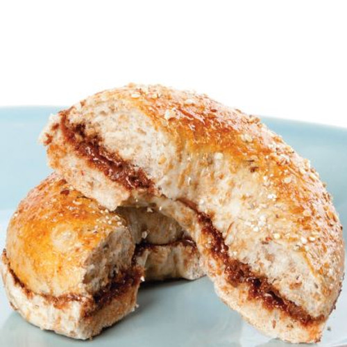Bagel with Chocolate Spread And Comprehension Sheets: Pages 28-( Lv 1)