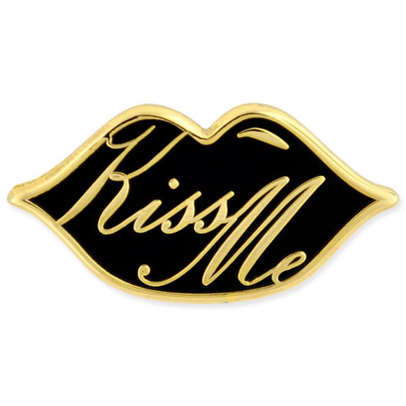 Kiss Me Lips Pin Front