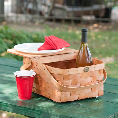 Room for meals and standard bottle