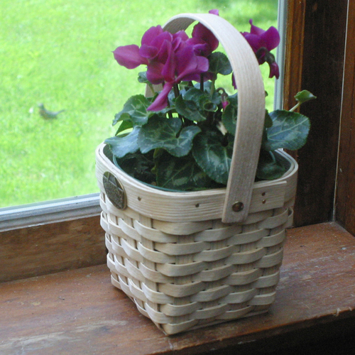 Peterboro Miniature Planter Basket