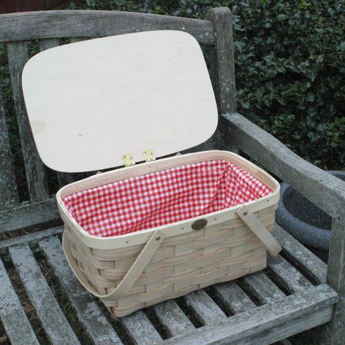 Peterboro Picknickers' Delight Basket