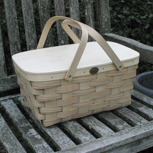 Peterboro Picknickers' Delight Basket