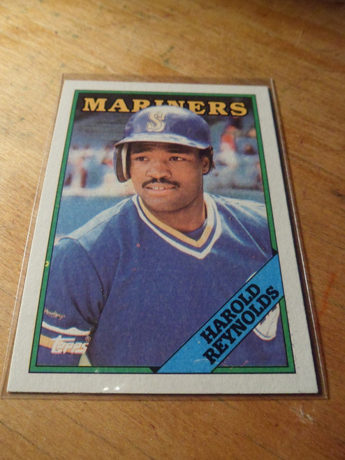 Harold Reynolds - set