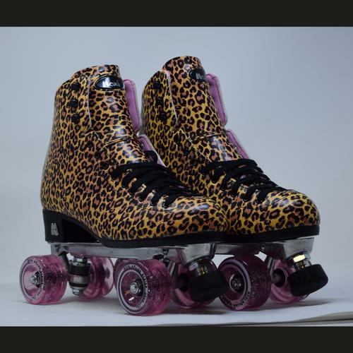 Slightly Used Moxi Ivy Jungle Outdoor Roller Skates | Mens 9 (Ladies 10)