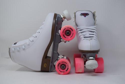 Slightly Used Sure-Grip Fame Indoor Roller Skates   White, Youth 3