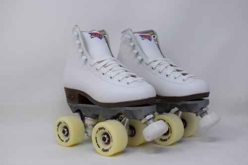 Slightly  Used Sure-Grip Fame Indoor Roller Skates   White, Youth 02