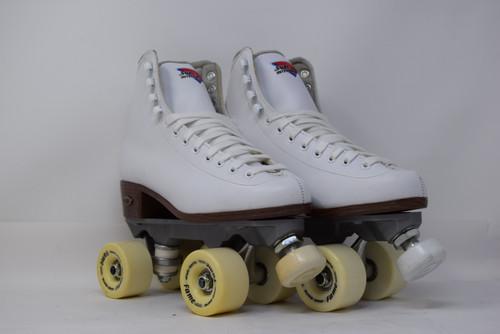 Slightly Used Sure-Grip Fame  Indoor Roller Skates | White, Men's 7 (Ladies' 8)