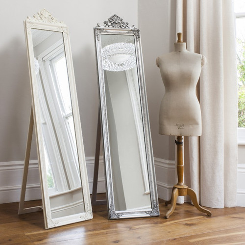 THE SILVER PRINCESS DRESSING MIRROR