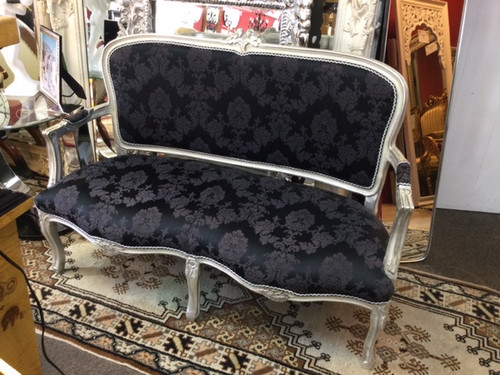 BLACK AND SILVER SETTEE