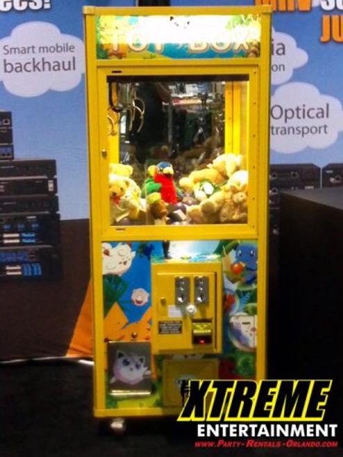 Crane and Claw Prize Machine