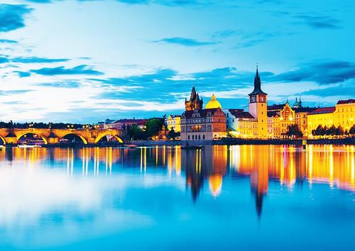 Prague Castle - 500pc Jigsaw Puzzle By PuzzleLife