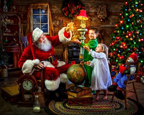 Santa's Magic - 1000pc Jigsaw Puzzle by Vermont Christmas Company