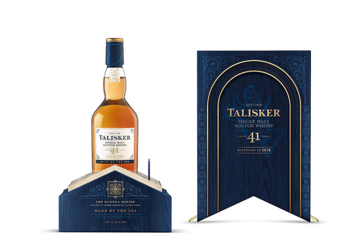Talisker 41 by Johnnie Walker caja abierta y botella