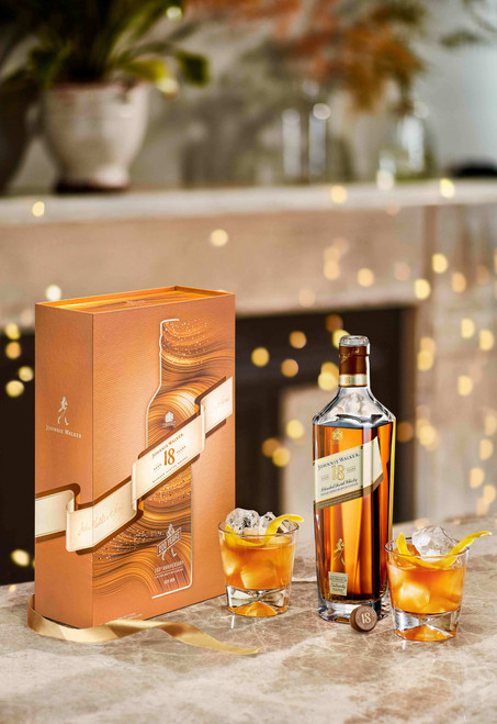 Johnnie Walker 18 YO Pack Regalo lifestyle botella, caja y vaso 70 cl