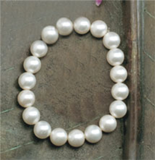 Jewel of the Sea Pearl Bracelets in white coloring