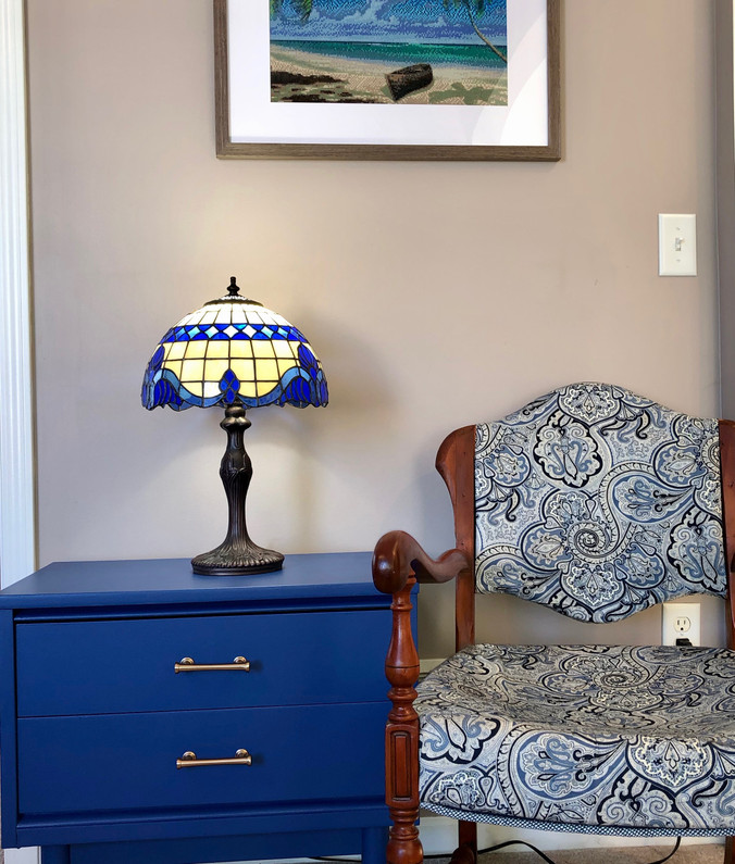 Trend alert: Blue with gold cabinet hardware!