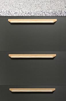 "Century, Wood, 6 5/16"" (160mm) Straight Pull, Ash - installed"