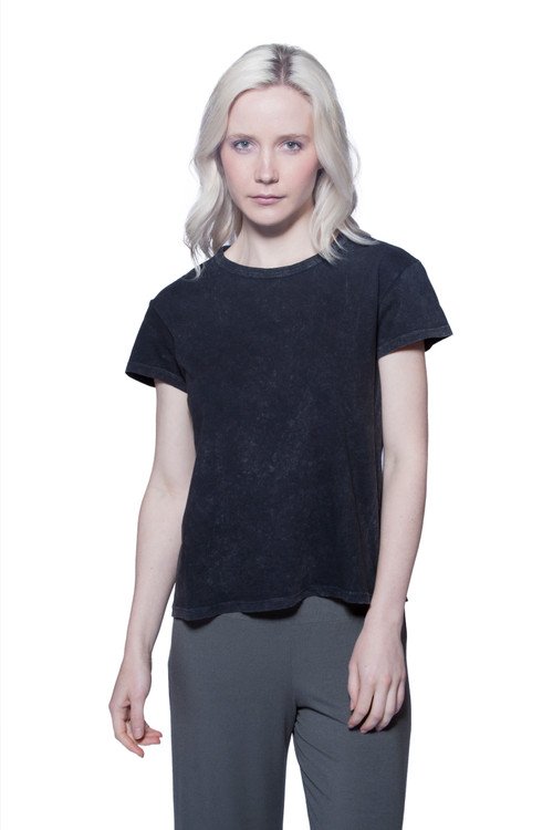 Style no: B-AF41  Antique wash scoop neck top with short sleeves made of soft well-loved Turkish cotton.Keep it simple with this versatile short sleeve crew-neck tee. The fit is cropped and loose but still flattering, making this extra comfortable and easy to layer with your favorite pieces. Made with 100% tissue-weight cotton that is not only soft but durable and won't lose its shape in the washing machine. AtoZ, A to Z, basic, tee, top