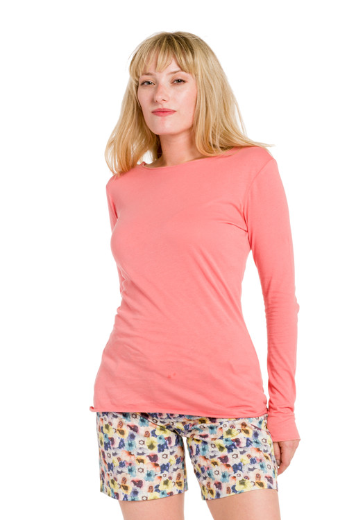 B-F1   Our classic crew-neck tee is both lightweight and comfortable. Made with 100% tissue-weight Turkish cotton, this long sleeve top is a must-have in your drawer. Slim-fitting and perfect for layering with your favorite jeans, sweaters or skirts. Our durable fabric is designed to keep its shape and soft texture even with repeated machine washing. Available in a variety of colors to suit your specific style.