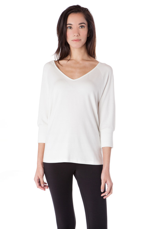 Style D-45  Relax comfortably in our chic raglan sleeve top. This ¾ sleeve tee is both flattering and classic; the deep v-neckline is great for dressing up with jewelry or dressing down with a scarf. Made with the best modal and Turkish cotton to retain its softness and shape even after washing. Style D-45  Relax comfortably in our chic raglan sleeve top. This ¾ sleeve tee is both flattering and classic; the deep v-neckline is great for dressing up with jewelry or dressing down with a scarf. Made with the best modal and Turkish cotton to retain its softness and shape even after washing.