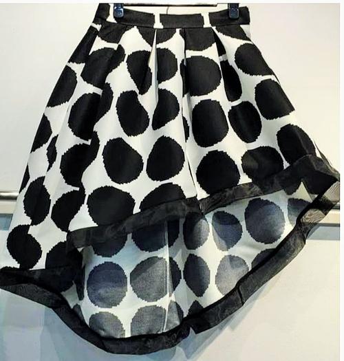 Black and White pocky Dot Asymmetric Skirt