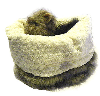 SnugBug Pet Dog Bed -  Faux Fox /Minky