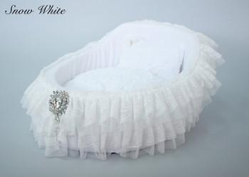 Snow White Crib Dog Bed