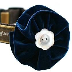 noel-blue-flower.250.jpg