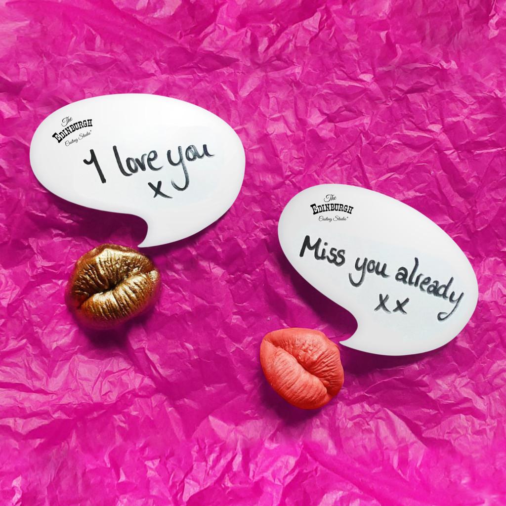 Edinburgh Casting Kiss Kit Fridge Magnets with Speech Bubble Notelets