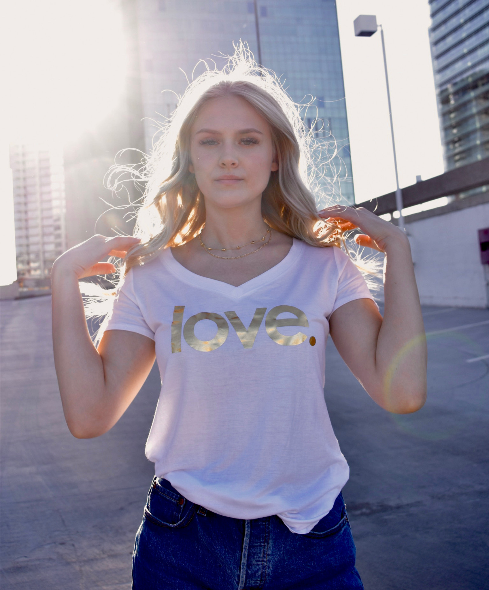 GOLD FOIL LOVE. S/S V NECK with 3 GOLD HEARTS on back (White)
