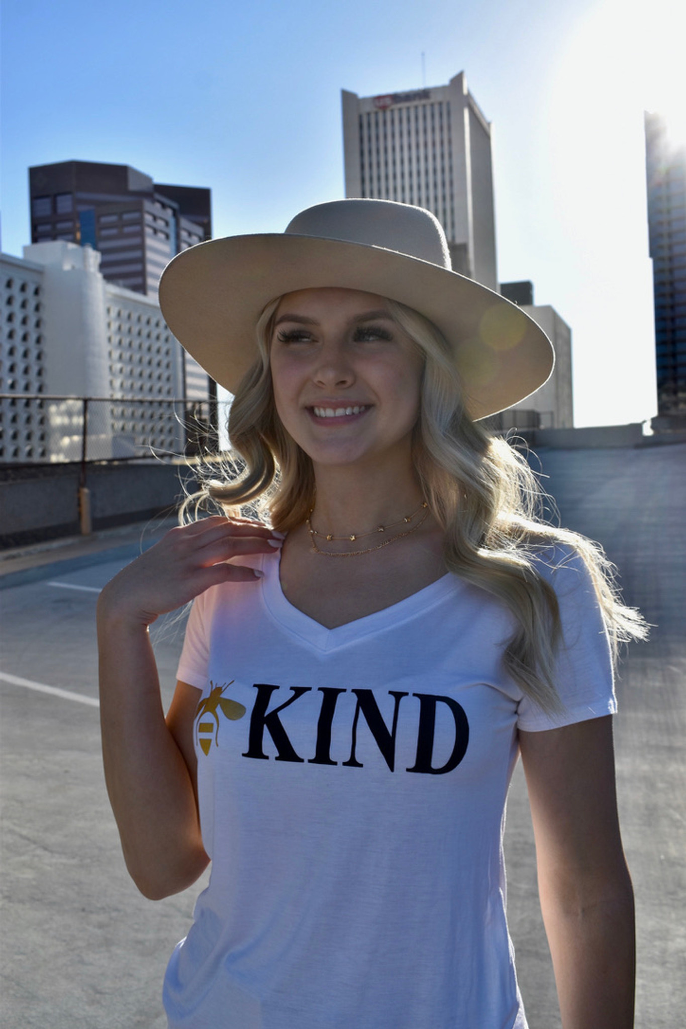BEE KIND S/S  V-NECK TEE with a 3 BEE'S GRAPHIC IN GOLD FOIL on BACK (White)