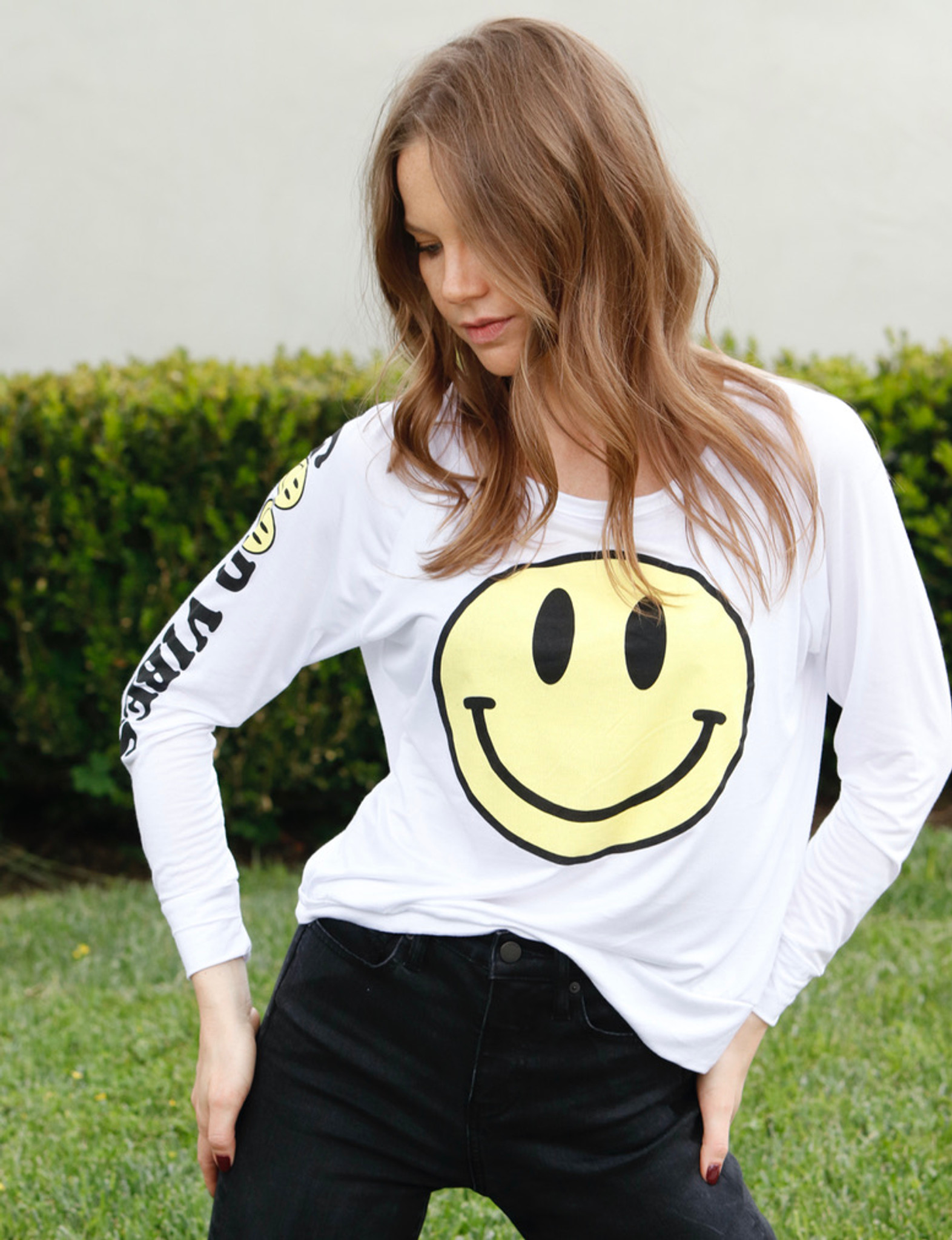 HAPPY FACE L/S TEE with a GOOD VIBES GRAPHIC on ARM (White)