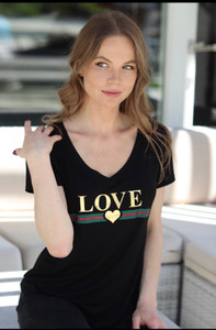 GUCCI LOVE. S/S V NECK with 3 HEARTS on back. (Black)