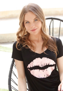 ROSE FOIL LIPS S/S  V-NECK TEE with a SCATTERED HEARTS GRAPHIC IN ROSE FOIL on BACK (Black)