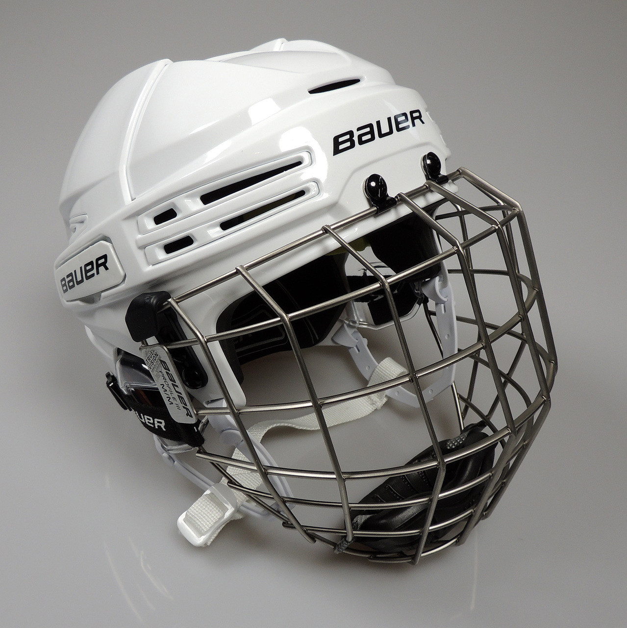 09bc8abb79a ... Bauer RE-AKT 75 Hockey Helmet with Cage - White ...