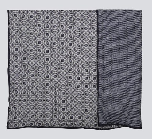 100% COTTON HAND PRINTED GREY AND WHITE TRIBAL QUILT WITH 2 SHAMS