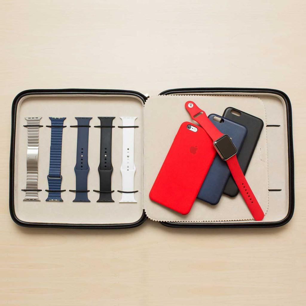 Apple Watch Portfolio Watch Case in Leather   TechSwiss TS5118BLK   Photo by Tom Janz