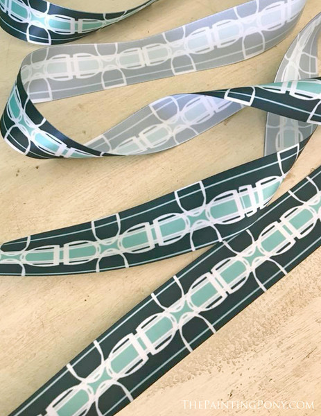 Modern Horse Stirrups Striped Pattern Ribbon