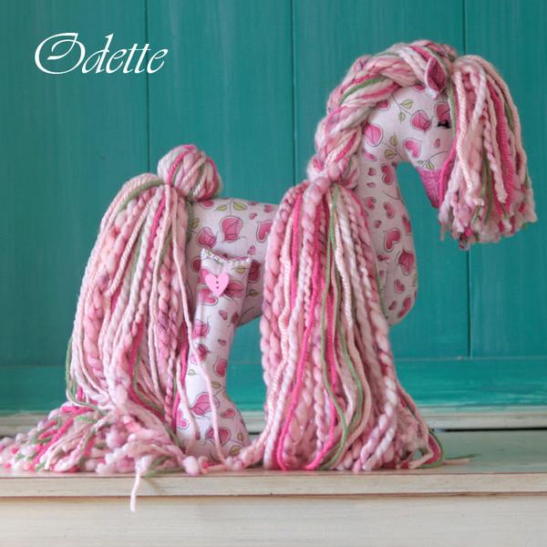 """Flopsy Cotton Pony """"Odette"""""""