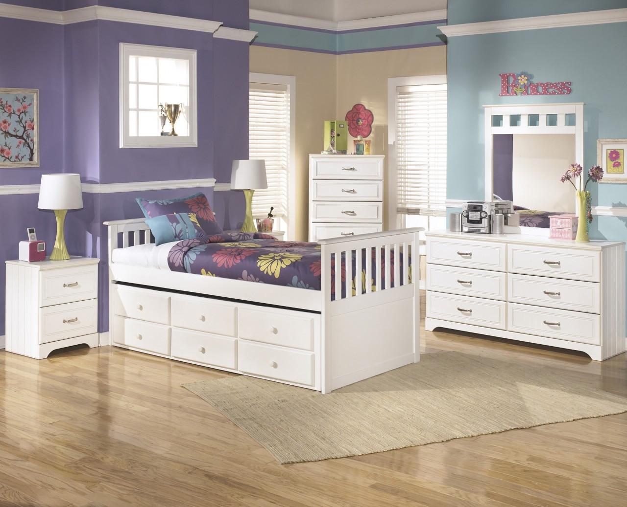 Exceptionnel CB Furniture