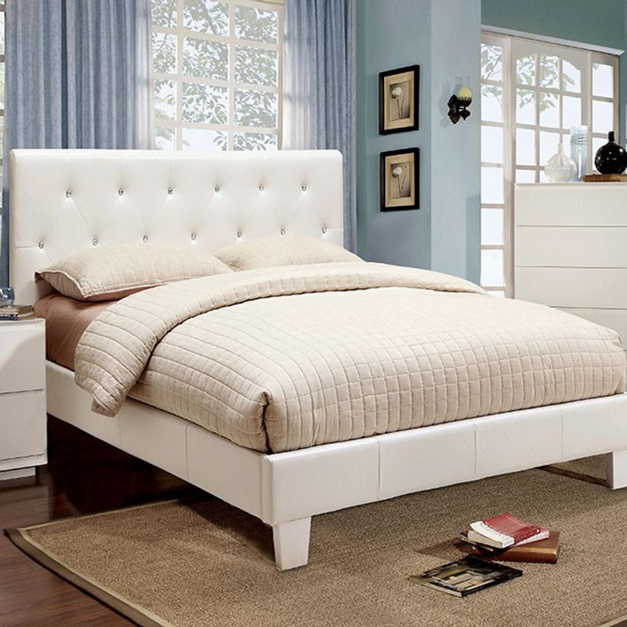 Remy Eastern King Bedroom Set White Cb Furniture