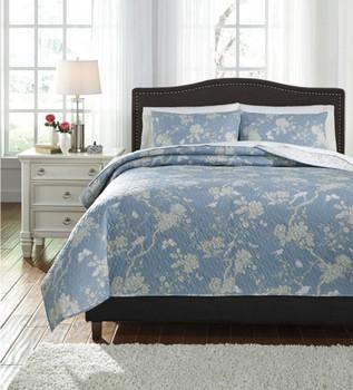 Delmore Blue/Beige  Quilt Set