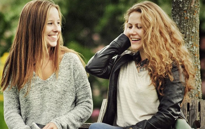 Bi-Curious? 5 Tips for Your First Lesbian Date