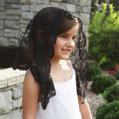 Black Lace Chapel Veil - Small