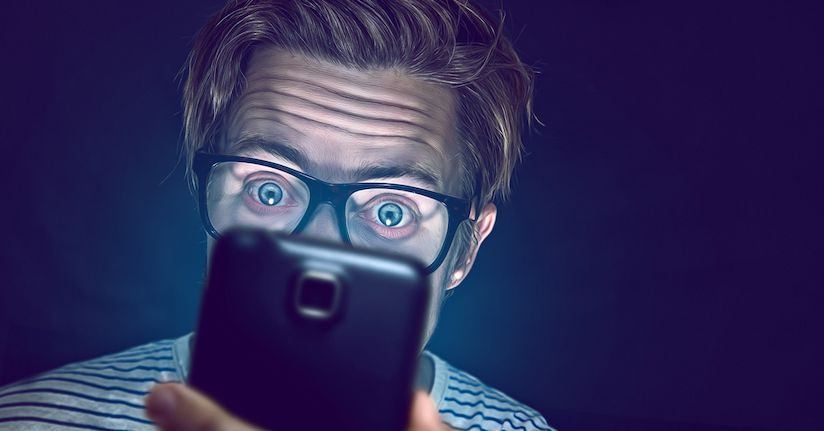Here's Why Smartphones Can Hurt Our Eyes and Cause Headaches