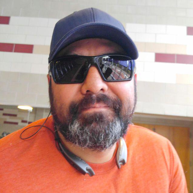 Veteran Stephen wearing outdoor TheraSpecs sunglasses, custom frame